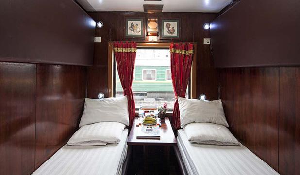 Deluxe 2 Berth Cabin Orient Express Train Sapa