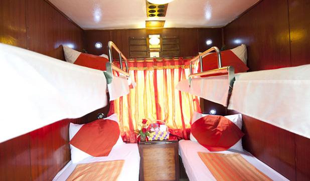 Deluxe 4 Berth Cabin - Orient Express Train Sapa